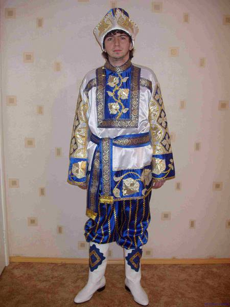 Концертные русские народные костюмы.