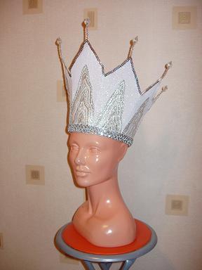Как сделать корону для королевы своими руками