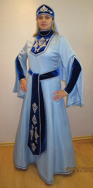 Грузинский женский костюм f272c81ab86
